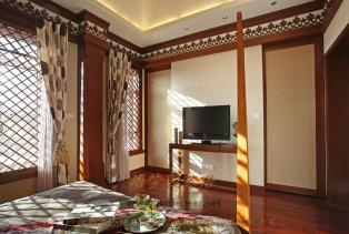 东南亚风格家具的样式,体现了稳重、豪华感、明朗、大气的设计无疑是避免压抑气氛的最佳选择,多适宜喜欢静谧与雅致、文化修养较高的成功人士。