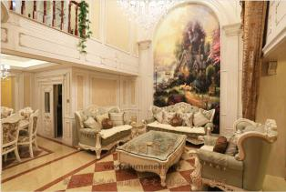 法式经典风格从整体到局部、从空间到室内陈设塑造,精雕细琢,给人一丝不苟的印象。